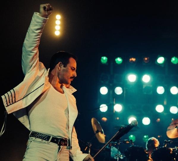 """Pablo Padín es el cantante del grupo """"God save the Queen""""."""