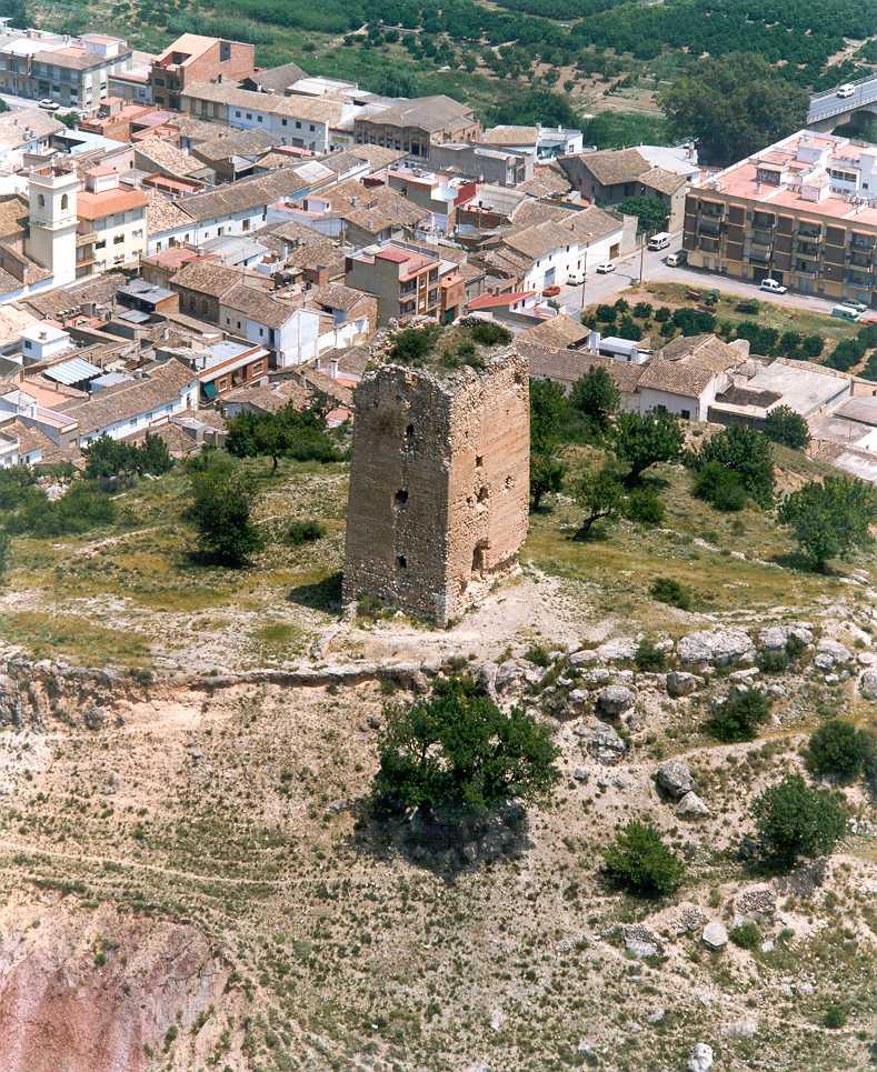 Una imagen de la torre de Montroy.