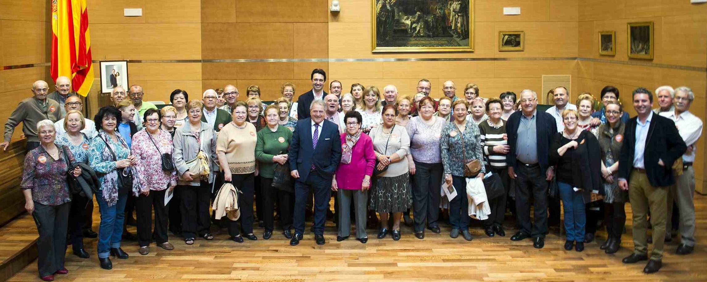 Delegación de Vilamarxant junto al presidente Rus. tc.c