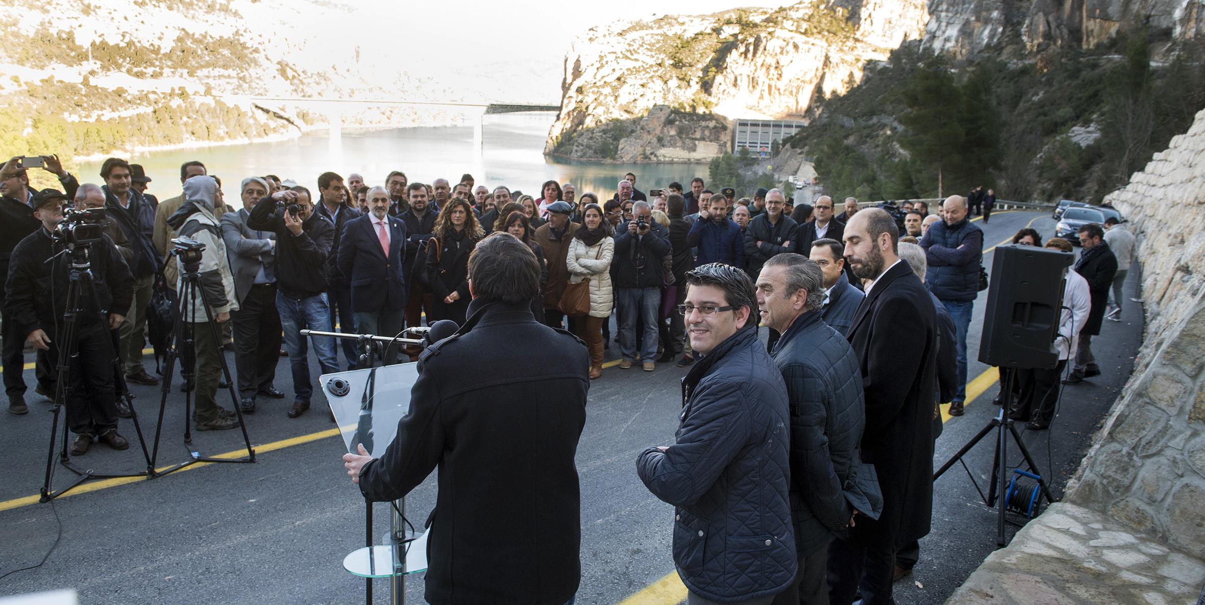 El presidente de la Diputacón, Jorge Rodríguez, se dirigió a los asistentes al acto oficial. Foto: R. A.