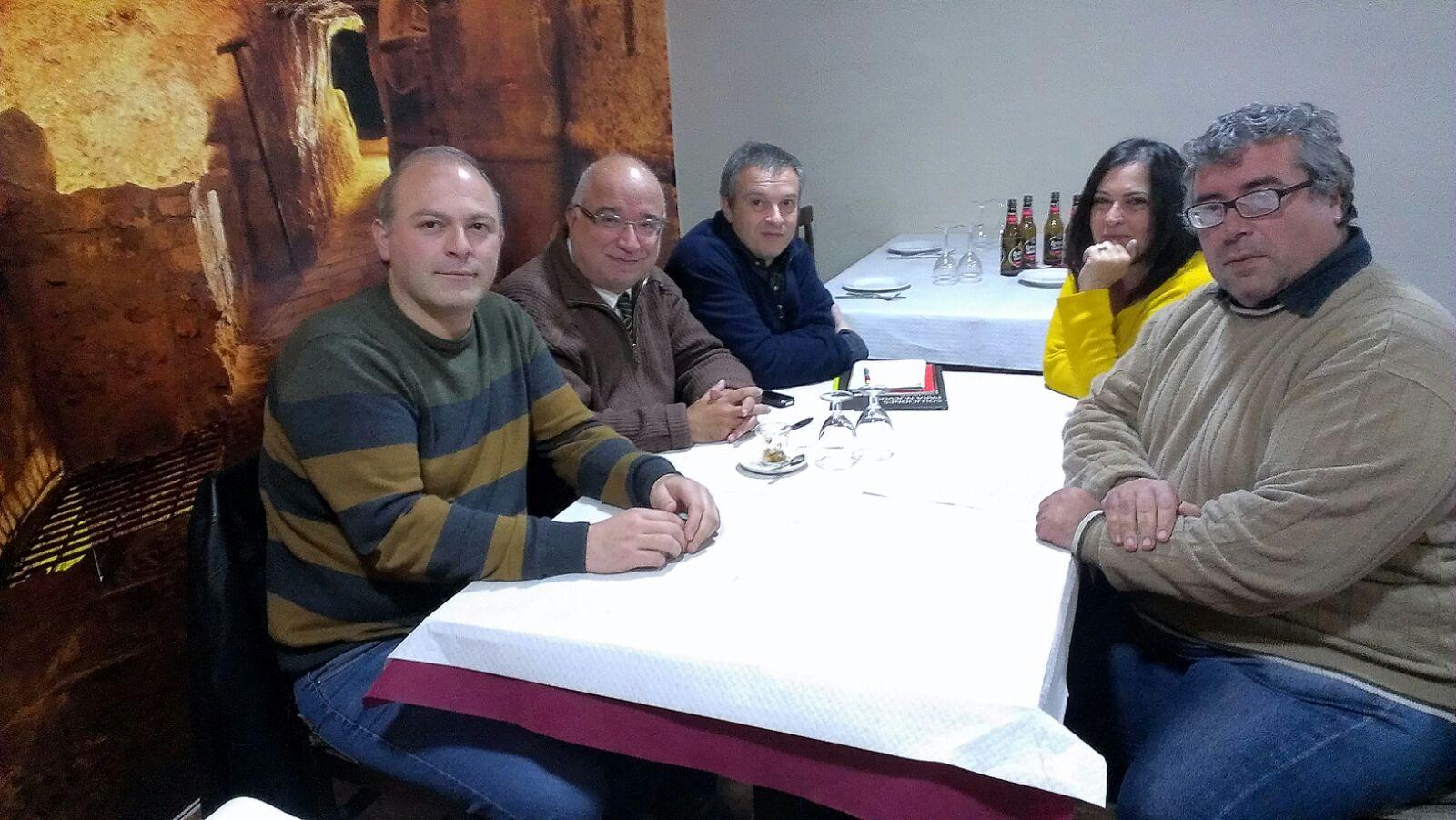 Reunión mantenida entre los miembros de la ADC e Izquierda Unida.