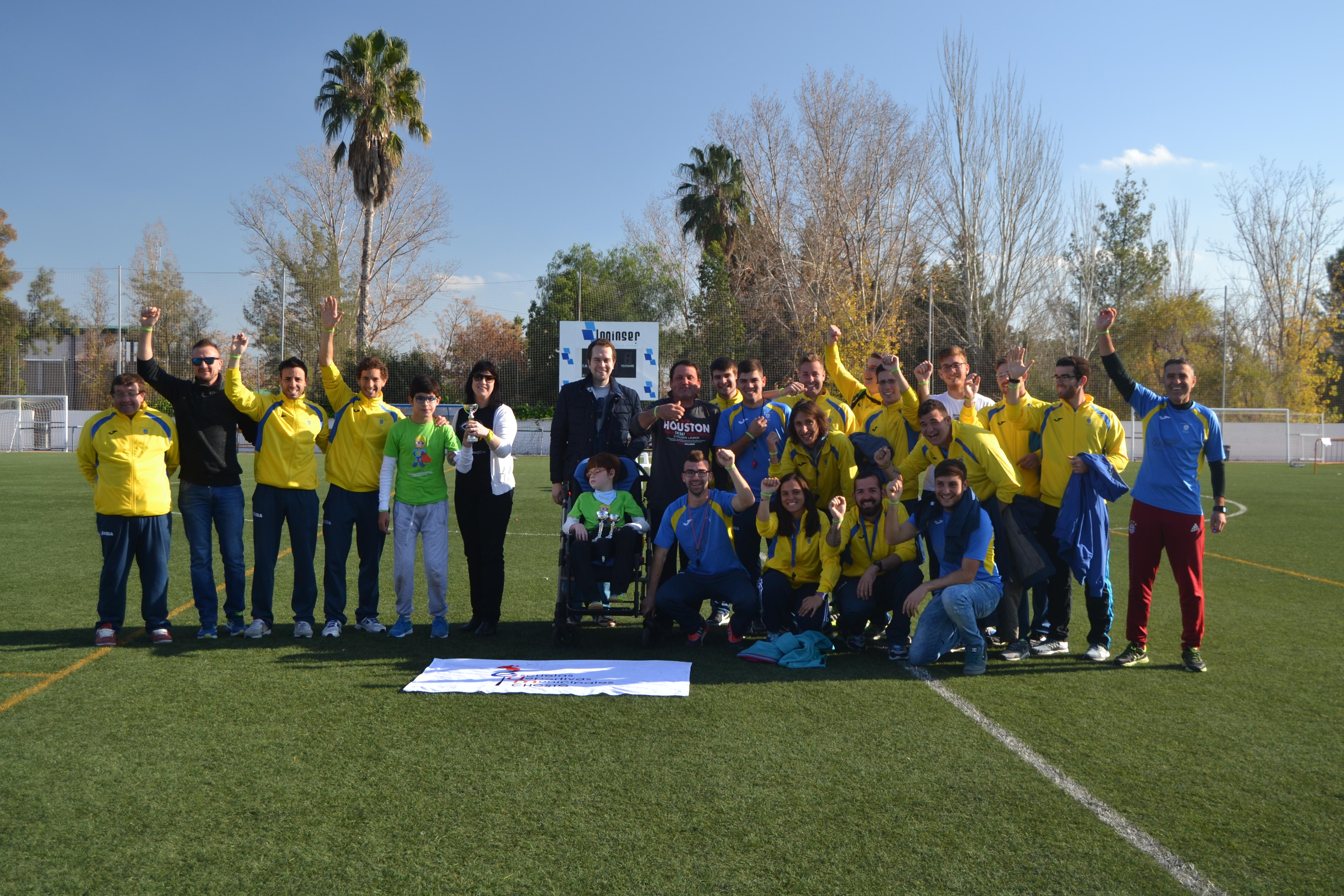 Jovénes participantes en el Torneo Escorpión de Cheste este pasado fin de semana.