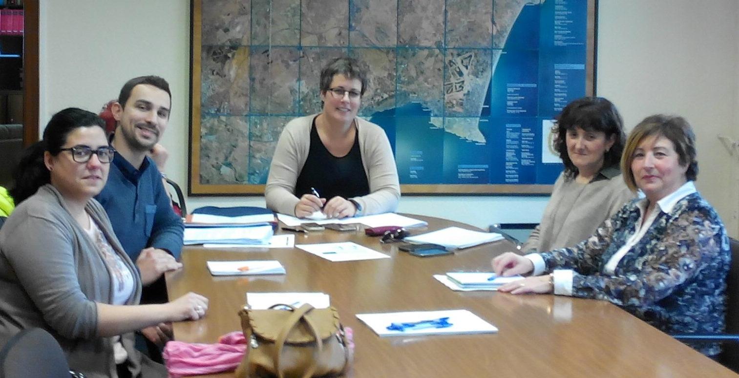 Mª José Mira informa als ajuntaments d'Almoradí, Aigües i Aspe.