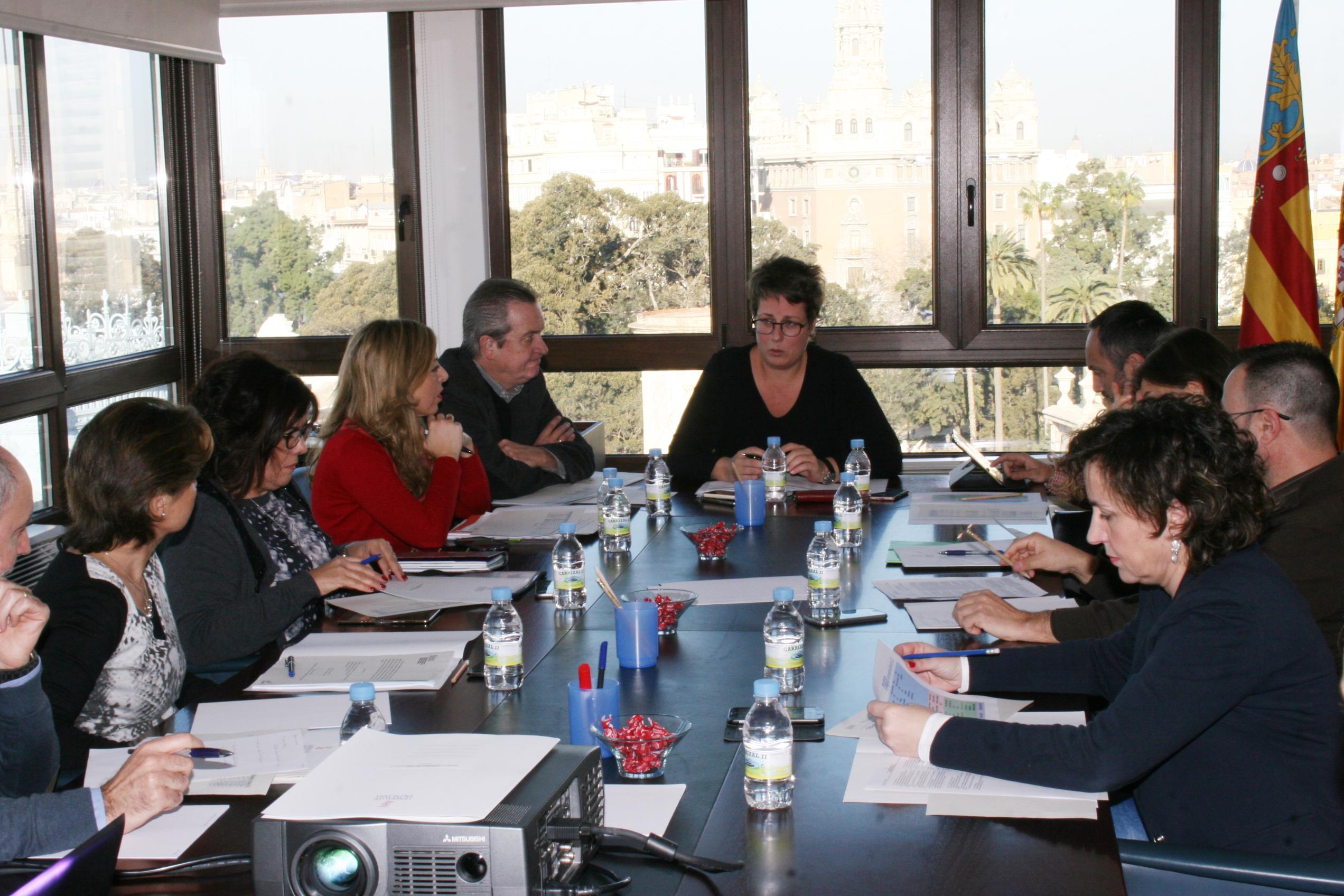 La secretaria Autonómica MªJosé Mira ha presidido la Comisión Ejecutiva del Consejo Valenciano del Emprendedor.