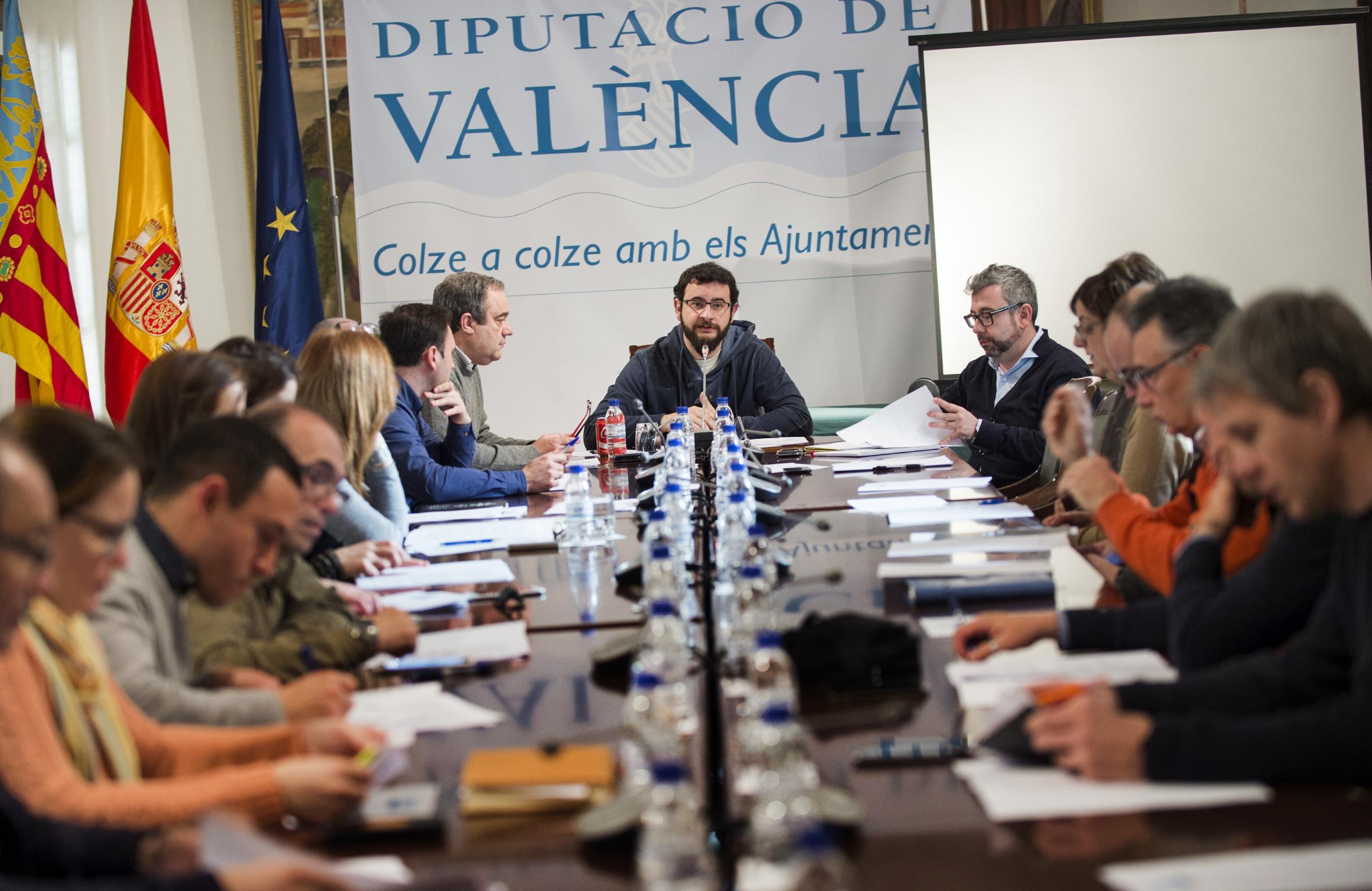 El diputado ha presidido la reunión con los responsables de las mancomunidades.