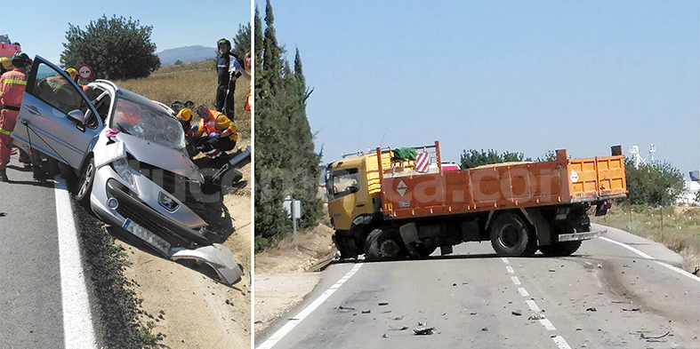 Estado del vehículo y el camión tras el accidente en la CV-50. Foto: E. Mora.
