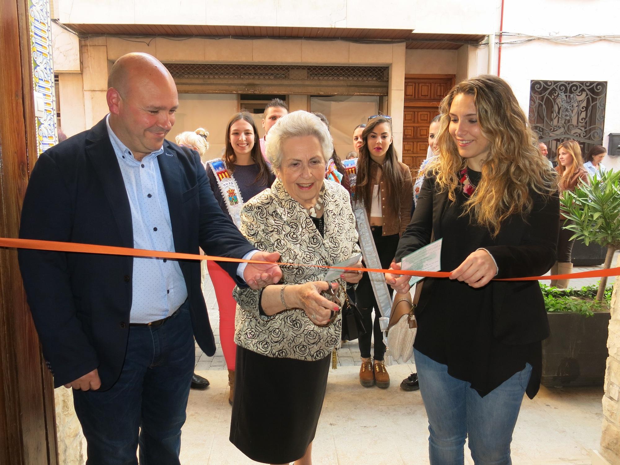 Inauguración a cargo del alcalde, protagonista y Reina de las Fiestas.