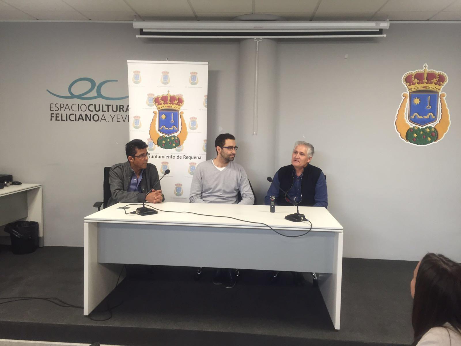 Presentación de la octava edición de la prueba a cargo de las autoridades locales y organizadores.
