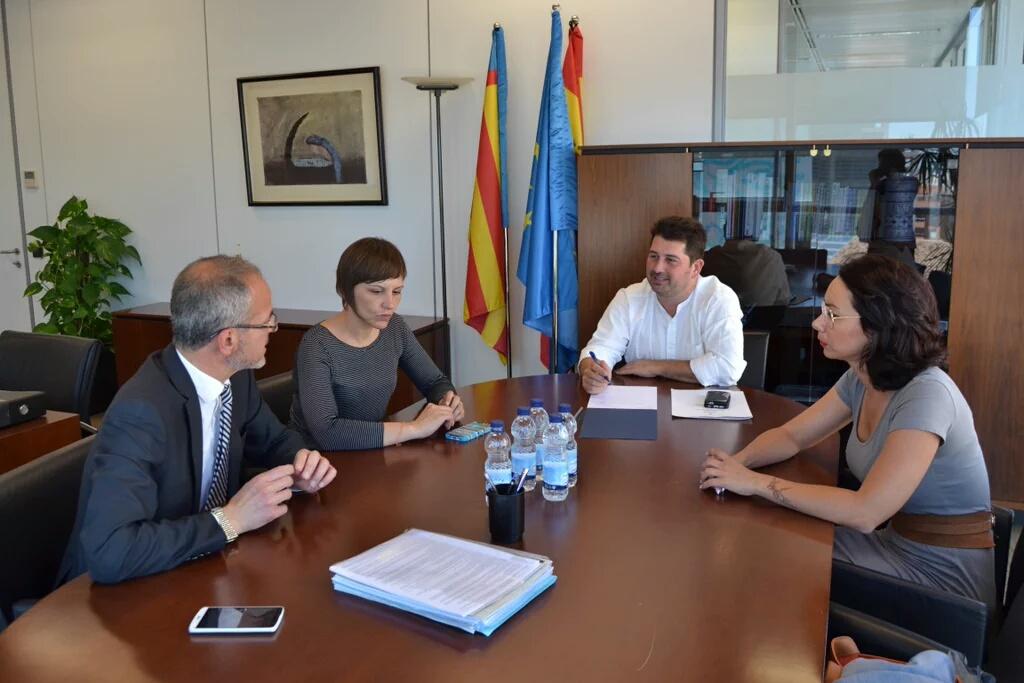 Reunión de trabajo entre el Ayuntamiento de Benifaió y el Director General de Comercio para iniciar un nuevo proyecto de impulso del comercio local.