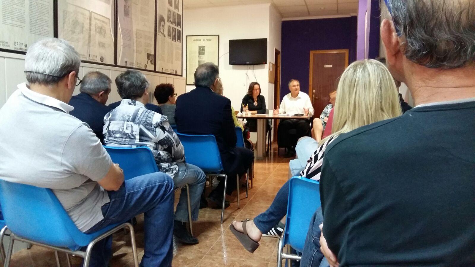 Asamblea ciudadana desarrollada en Llíria por el PSPV-PSOE para analizar el primer año de legislatura.