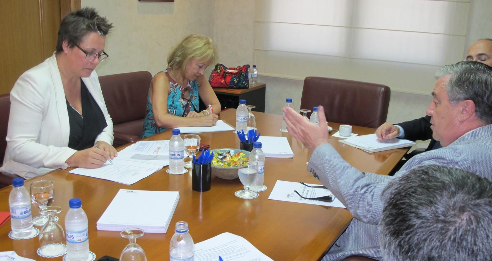 El Servef y Ascer colaborarán en materia de formación.