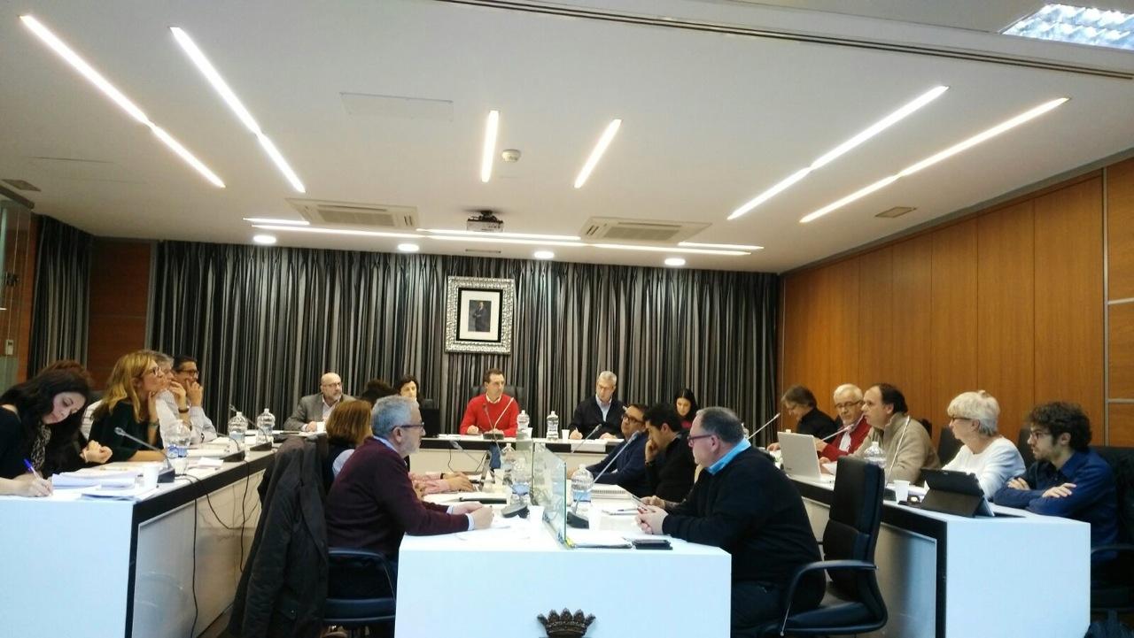 Una imagen de la última sesión plenaria del Ayuntamiento de Riba-roja.