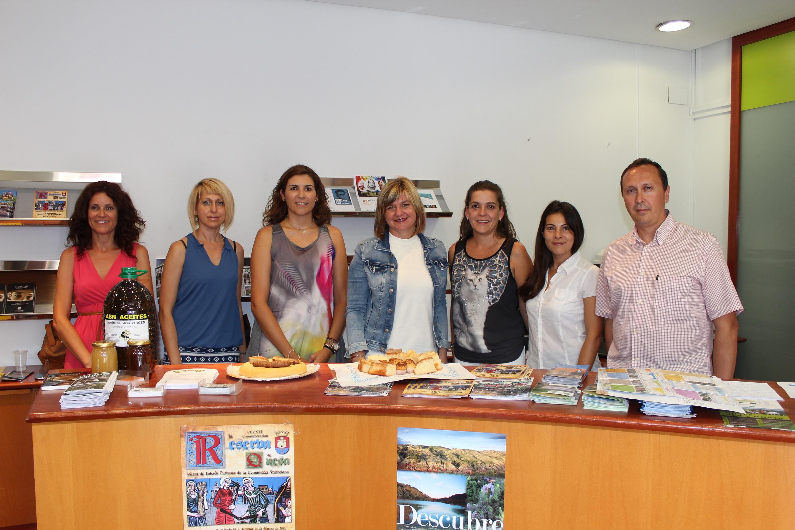 València Turisme promociona el turismo patrimonial, natural y gastronómico de Quesa, Bolbaite y Burjassot en su oficina.