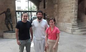 Roberto Jaramillo con la alcaldesa y el concejal de Macastre.