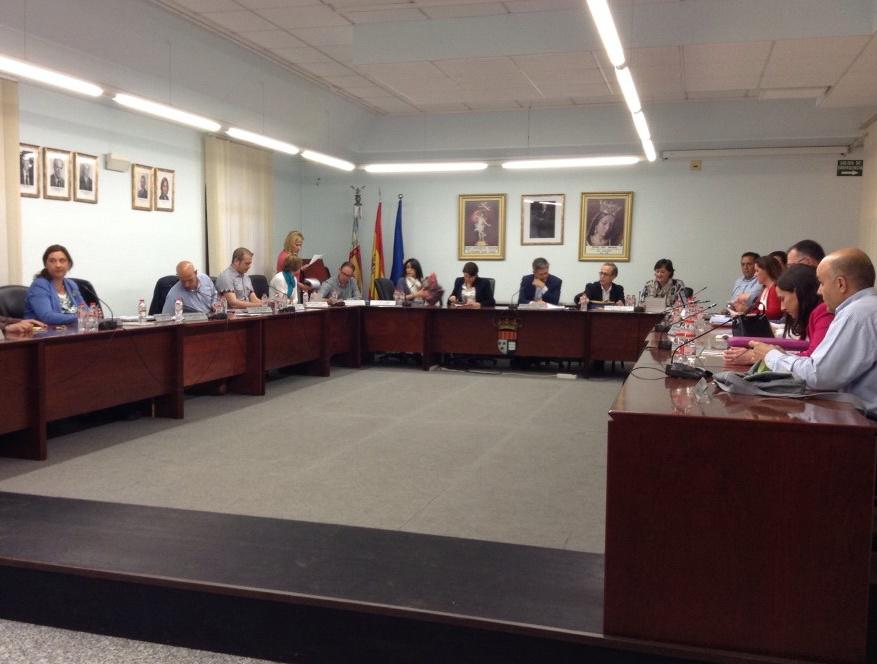 El Ple de la Pobla de Vallbona vota en contra de la pujada del preu de l'aigua.