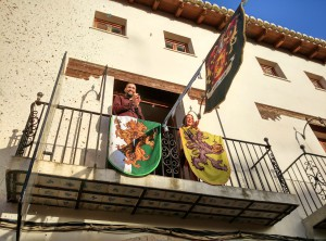 El alcalde ha sido el encargado de inaugurar el mercado medieval.