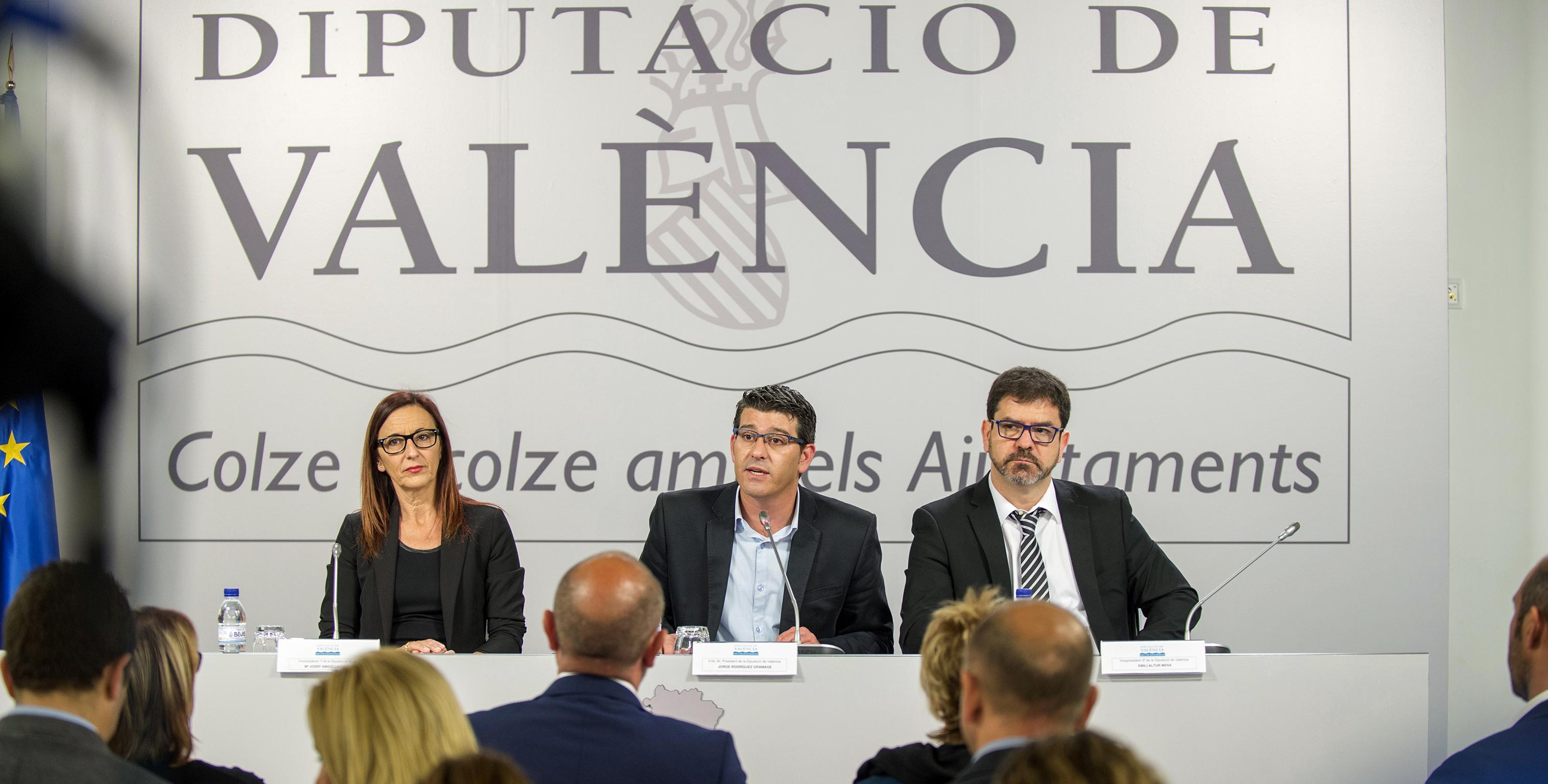 Rueda de prensa del Plan Provincial de Obras y Servicios a cargo de los responsables de la Diputación.