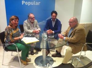 Los alcaldes de Torrebaja y Casas Altas se reúnen con la presidenta del PPCV Isabel Bonig.