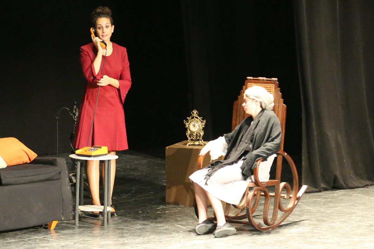 Cheste vivió este sábado el arranque de la vigésima edición de la Muestra de teatro no profesional.