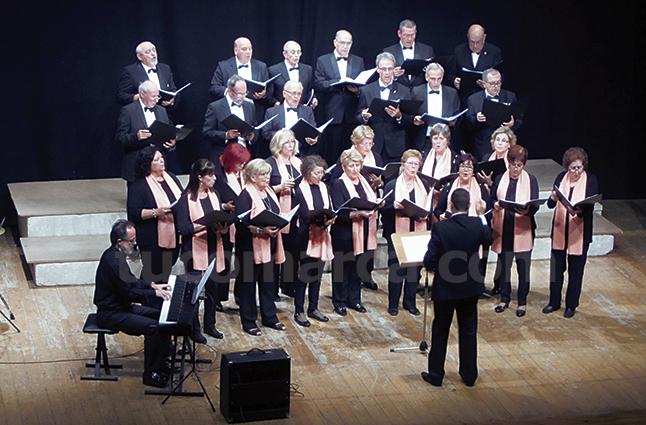 El tercero en participar en el Festival Coral de Utiel ha sido el Coro Alternia de Arganda. Foto: Paloma Chen.