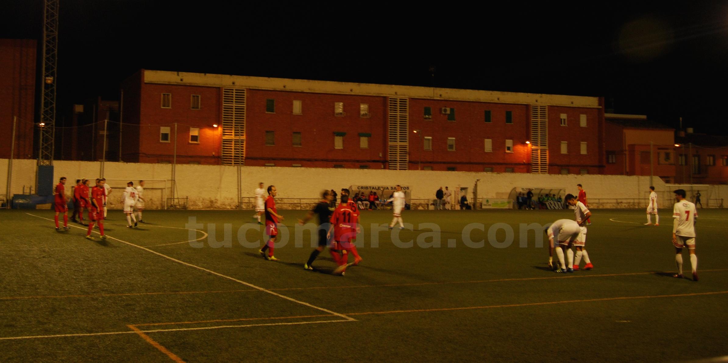 El Club Deportivo Buñol ha caído derrotado por 1 gol a 2 frente al Crevillente. Foto: R. Ferrer.