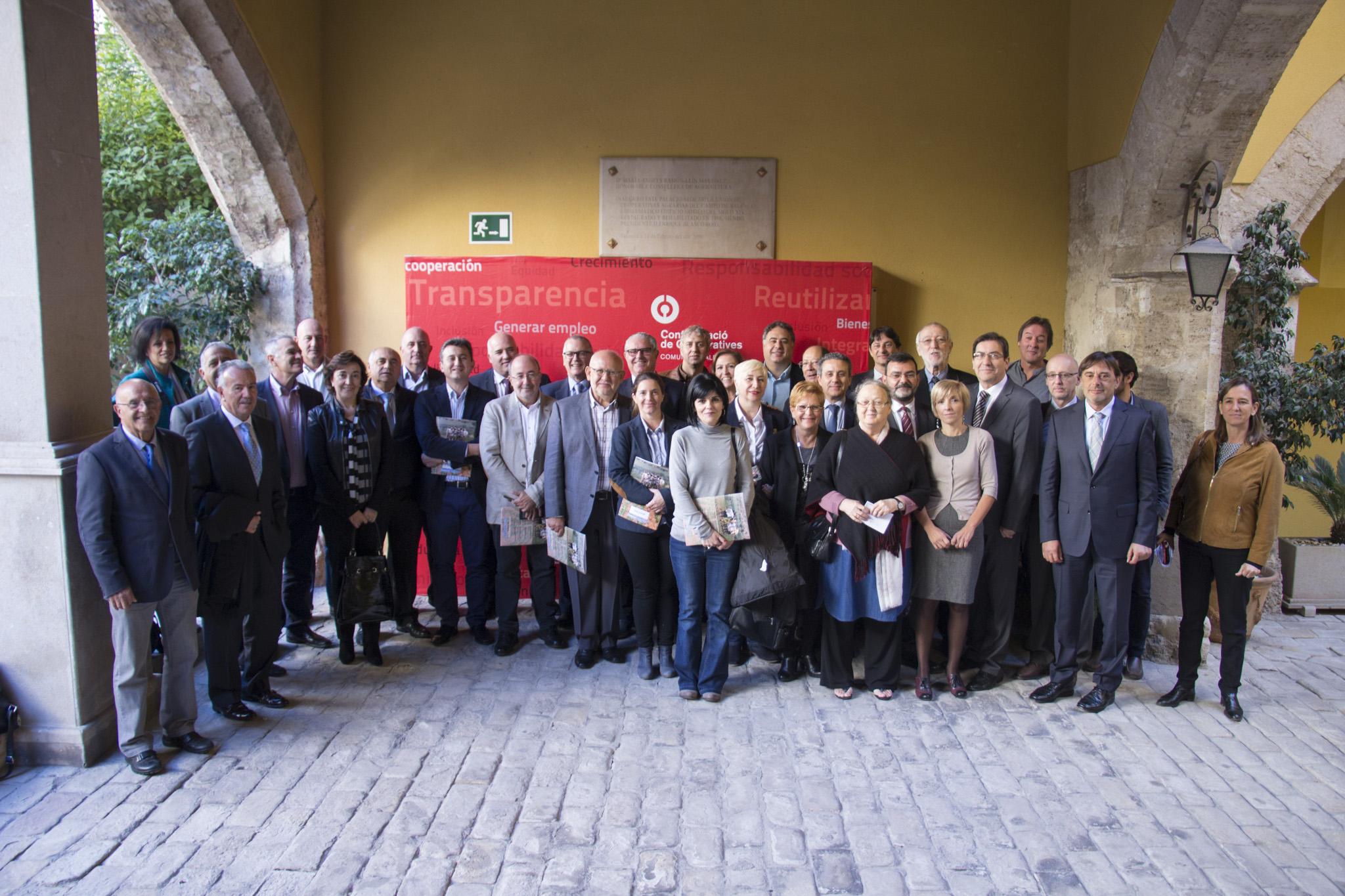 Veintidós cooperativas valencianas han firmado en Valencia convenios de colaboración con la Fundación Vicente Ferrer.