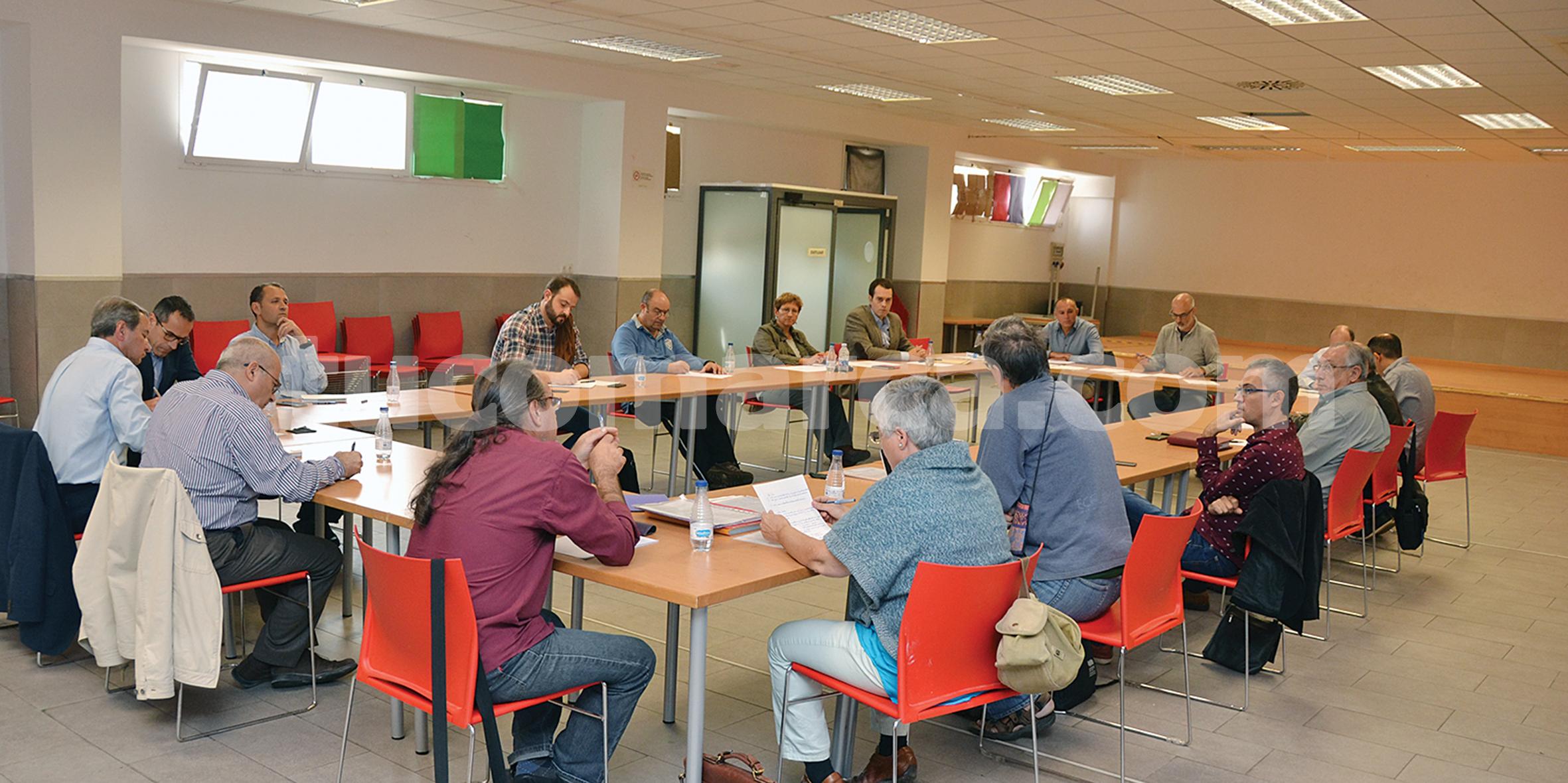 La reunión de Godelleta fue presidida por el presidente de la mancomunidad, Rafa Fora, el Secretario autonómico, Julià Àlvaro, y el Director General, Joan Piquer.