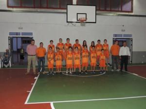 El Club de Básquet Turís presentó su equipo infantil acompañado por las autoridades locales.