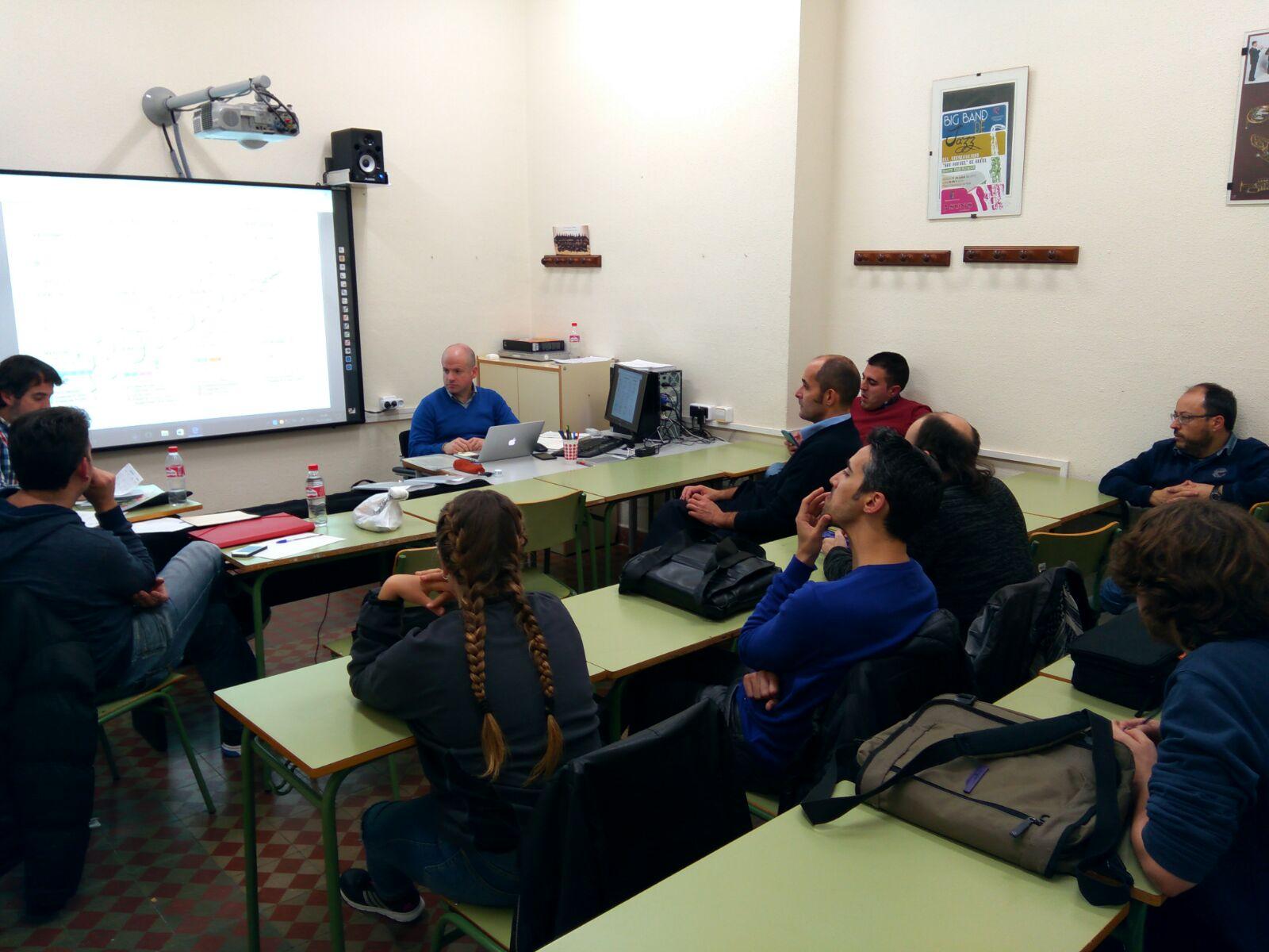 Bernardo Fabra, director de este centro educativo, presentó la programación para 2017 y especialmente la Semana Cultural.