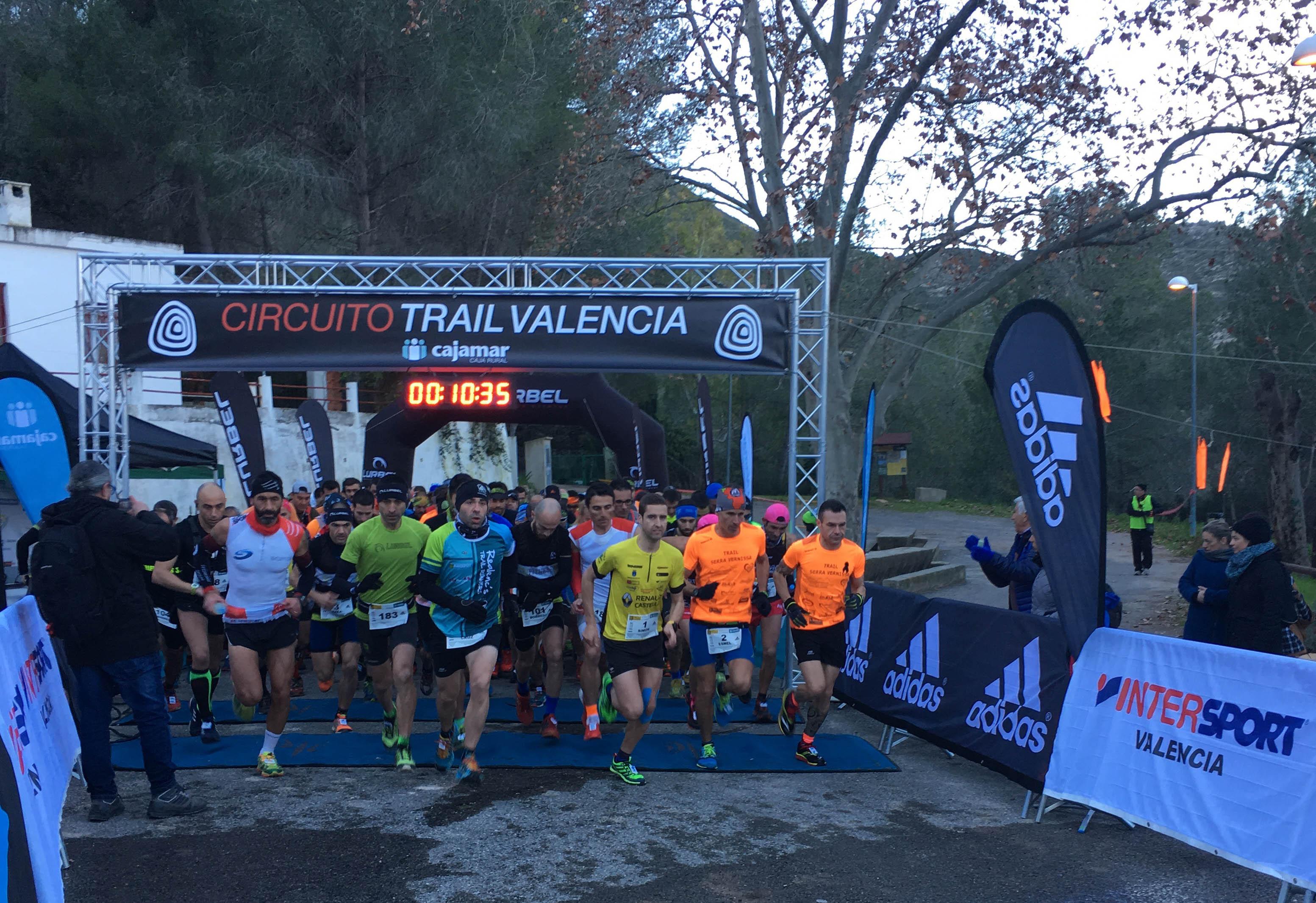 La cuarta prueba puntuable del Circuito Trail Valencia-Cajamar ha constado de un sprinttrail de 11,5 km y un trail de 20,2 km.