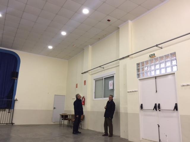 """El alcalde, Anselmo Cardona, asegura que las instalaciones se han quedado """"muy antiguas y requieren de diversas intervenciones para adaptarla a la normativa actual""""."""
