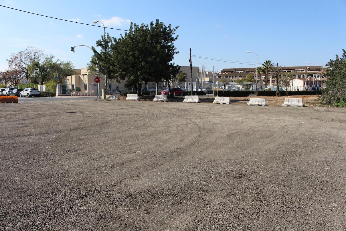 El consistorio de l'Eliana quiere incrementar las zonas de estacionamiento en la localidad.