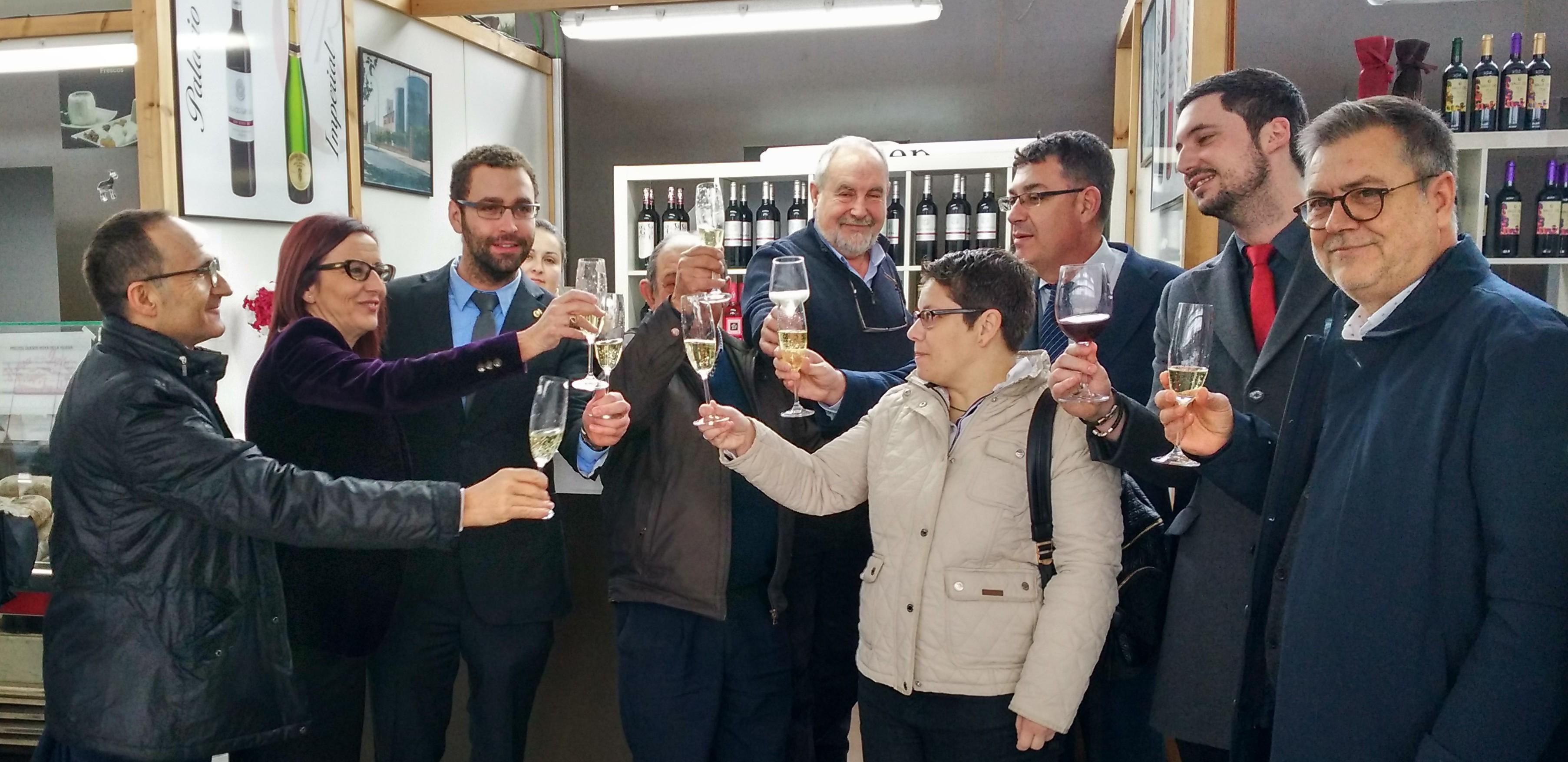 El presidente de las Corts Valencianes, Enric Morera, y la vicepresidenta de la Diputación de Valencia, Maria Josep Amigó, han sido los encargados de inaugurar esta edición.