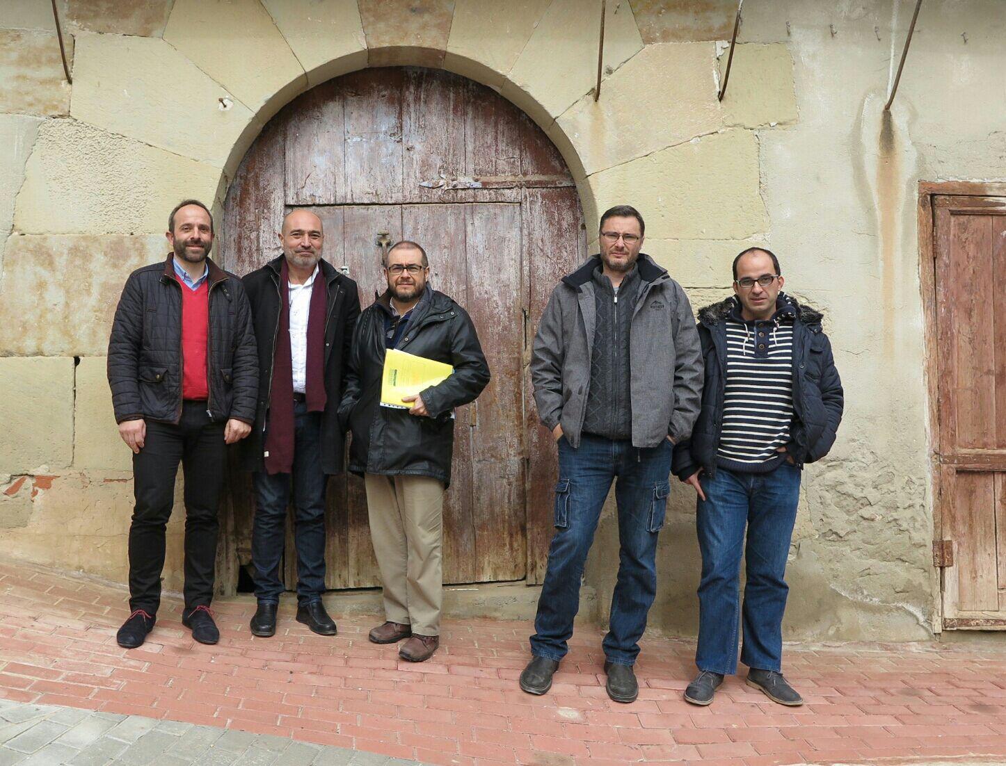 El alcalde Ramiro Rivera, el diputado Xavier Rius, y el director del MuVIM, Rafael Comapny, en la 'Casa del Tío Florencio'.