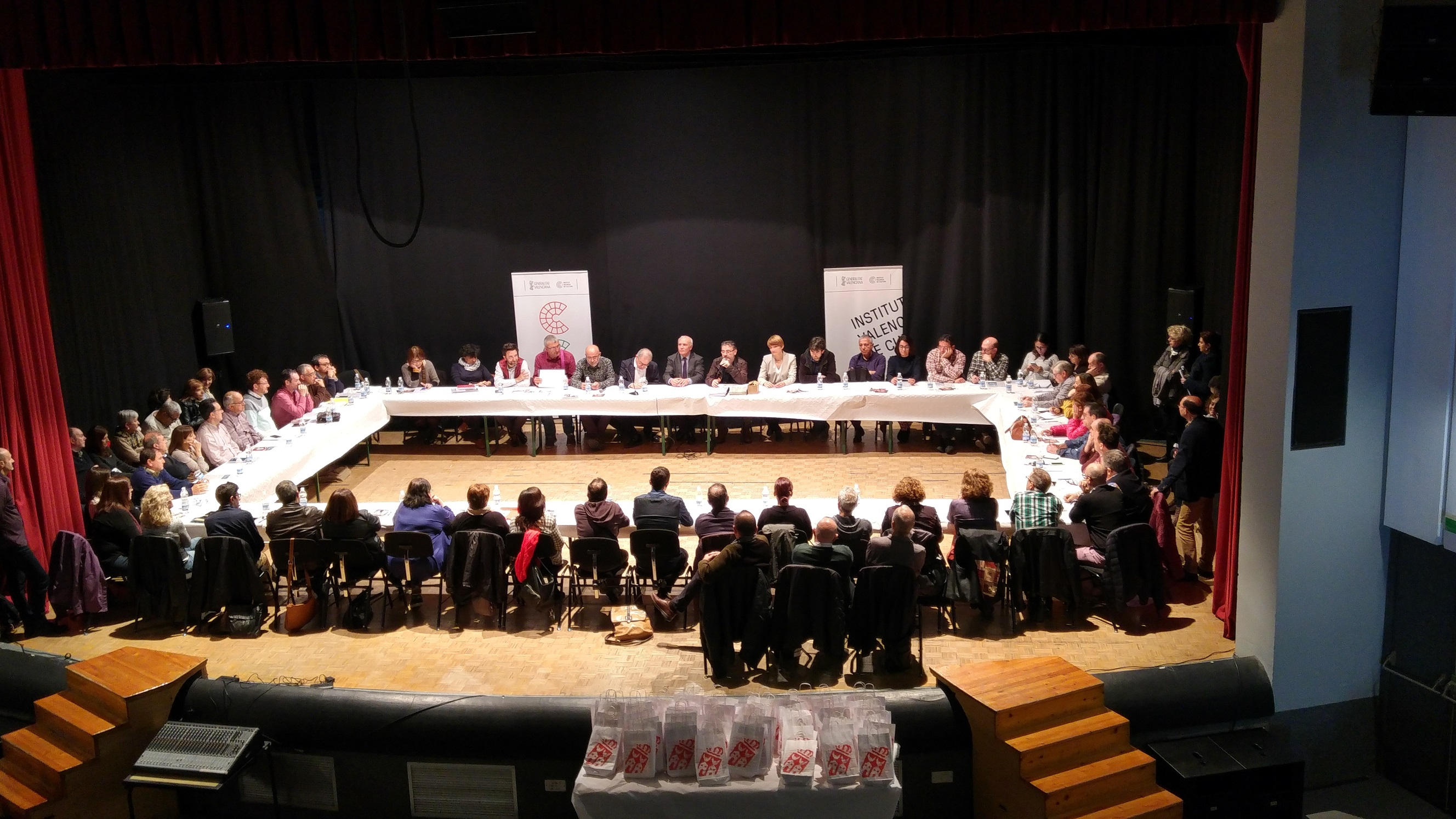 Es la primera asamblea a la que asisten los municipios que se han adscrito a lo largo de 2017: Alicante, Corbera, Morella, Ontinyent, Petrer y Cheste.