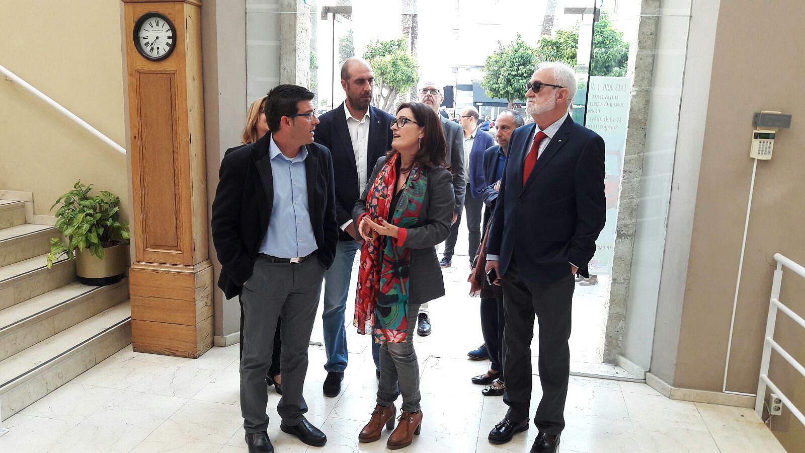 La institución provincial ha invertido 1,2 millones de euros en el municipio de la Ribera Alta en el último año y medio.