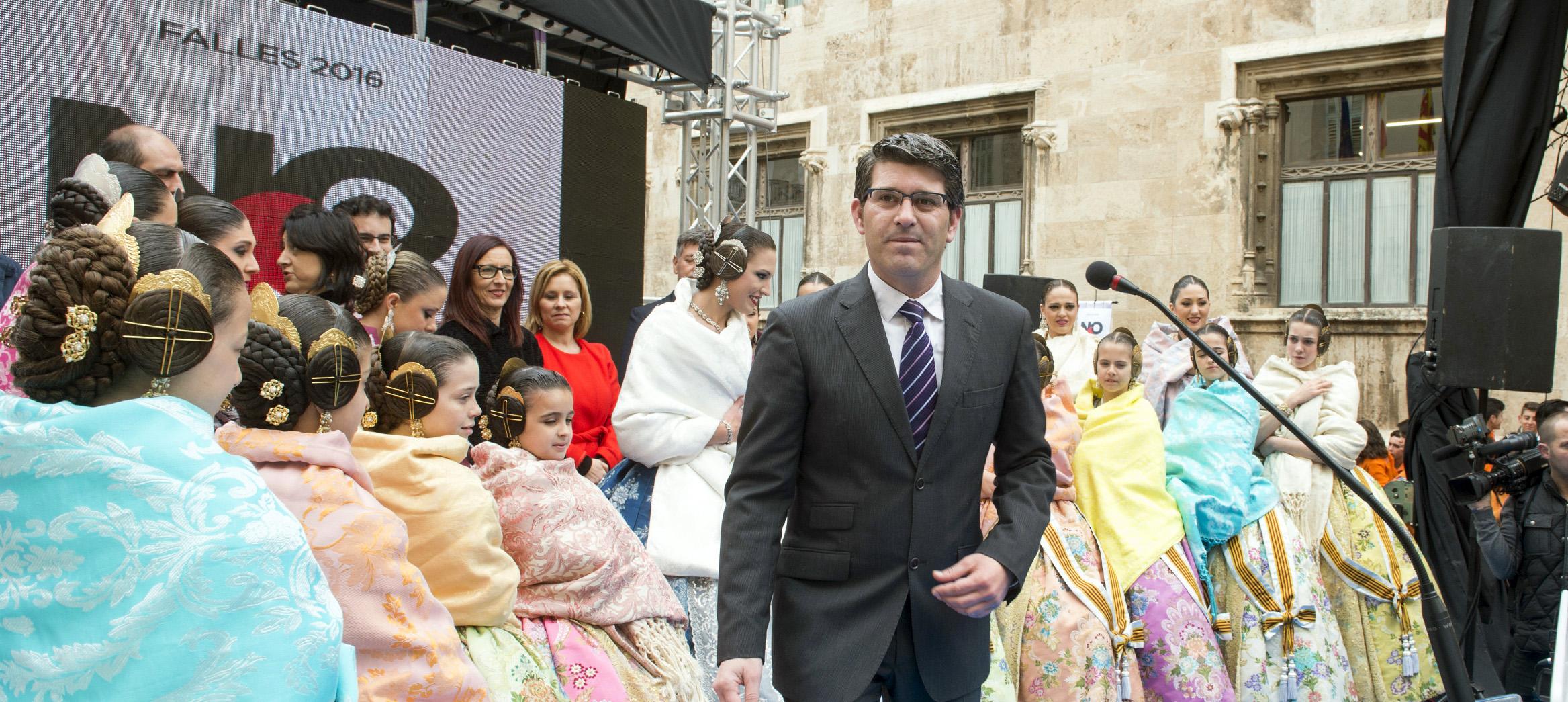 El presidente de la Diputación de Valencia, Jorge Rodríguez, en la recepción de Fallas 2016.