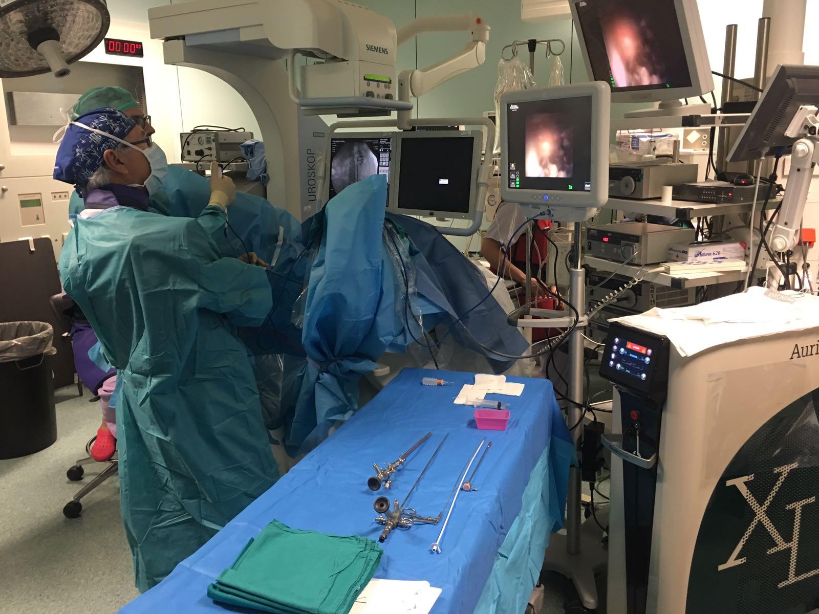 El Servicio de Urología de Requena atiende alrededor de 5.000 consultas al año y realiza un total de 200 intervenciones quirúrgicas.