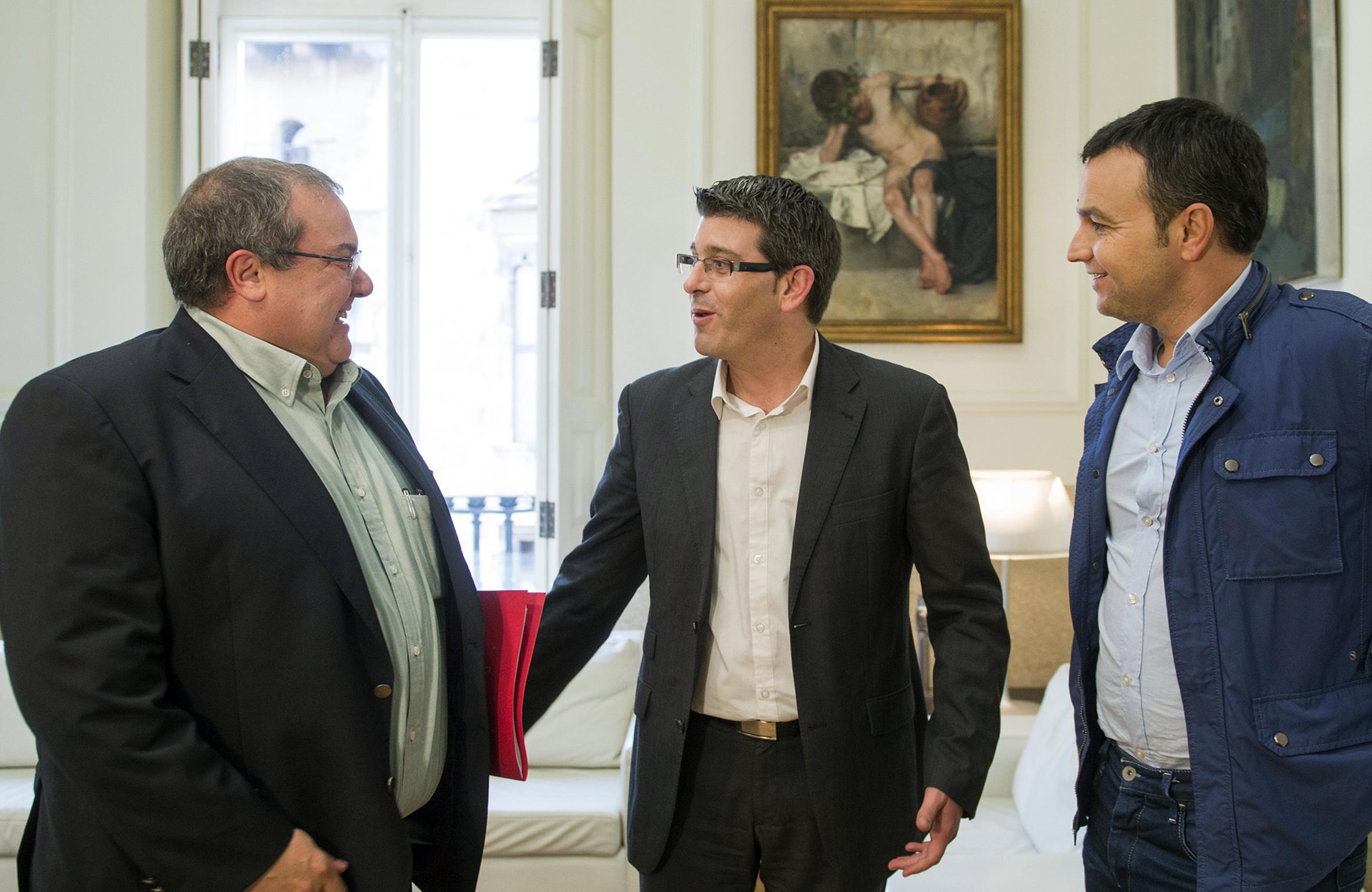 Visita del alcalde de Chera, Alejandro Portero, a la Diputació de València.