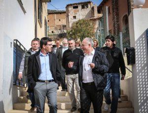 Visita de Jorge Rodríguez a Casas Bajas, a la comarca del Rincón de Ademuz.
