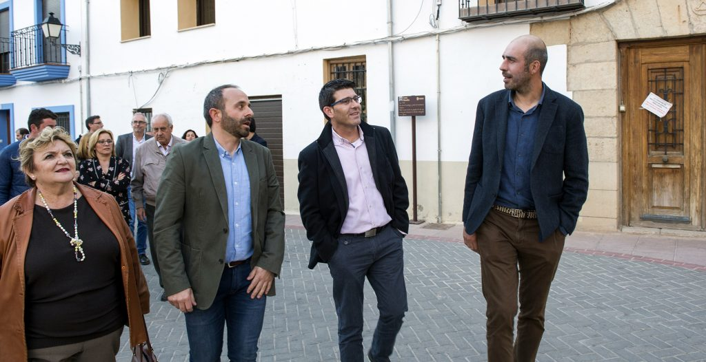 Visita de Jorge Rodríguez y los diputados provinciales a Titaguas, en Los Serranos.