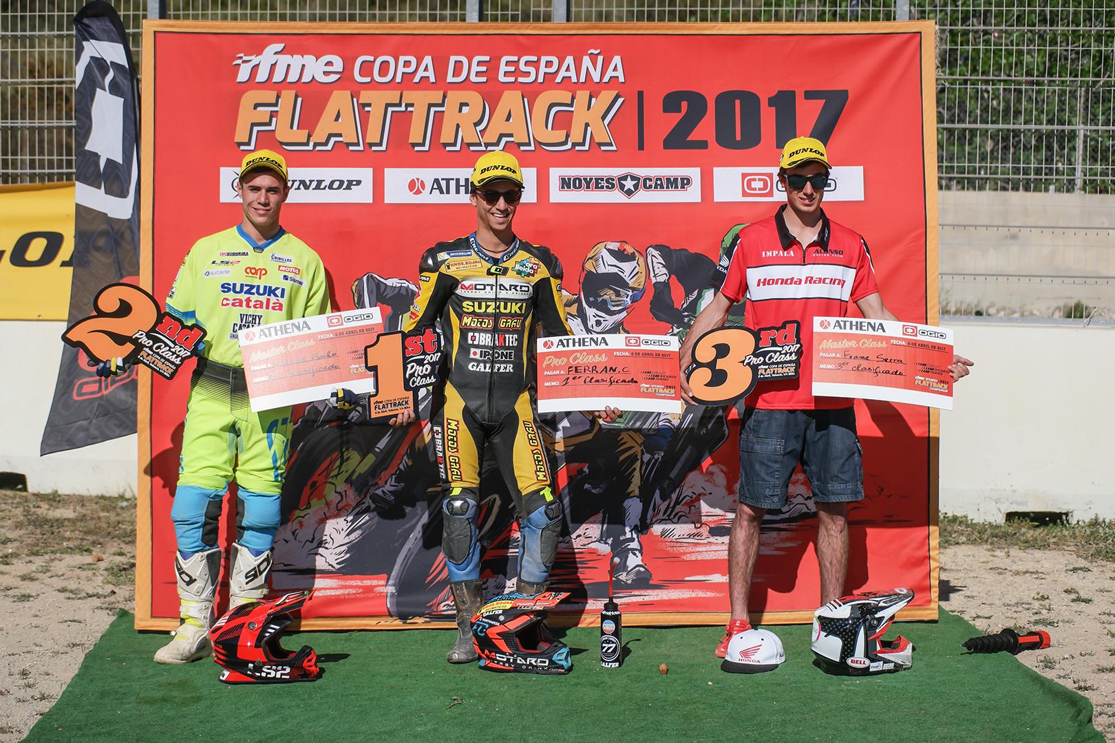 Ferran Cardús venció en la categoría FlatTrack Pro, y Vicent Navarro se hizo con el triunfo en Master.