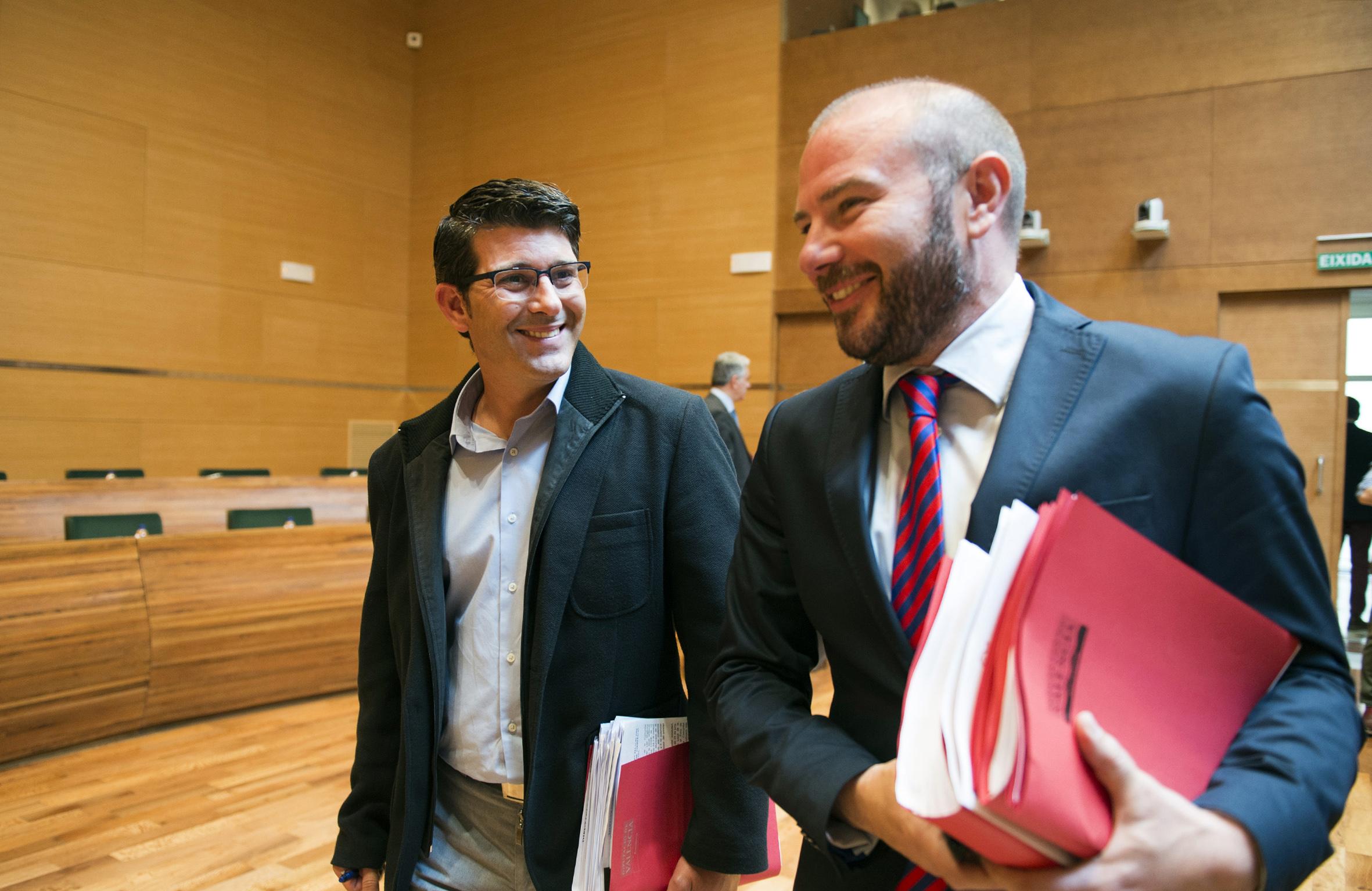 El presidente, Jorge Rodríguez, junto al diputado Toni Gaspar.