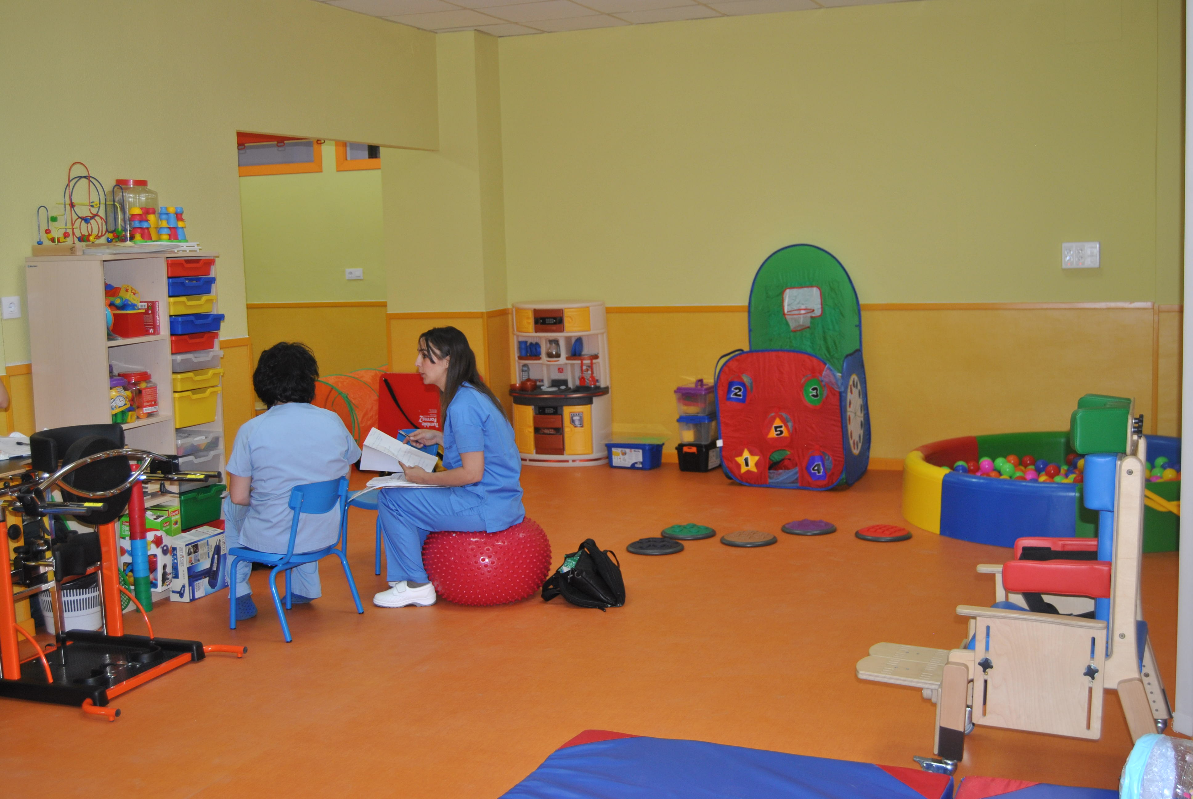 El Hospital de Manises es el único centro que cuenta con una unidad de neurorrehabilitación infantil especializada en autismo integrada en un hospital público valenciano.
