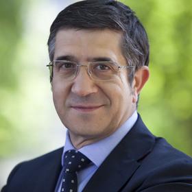 El precandidato a la Secretaría General del PSOE, Patxi López.