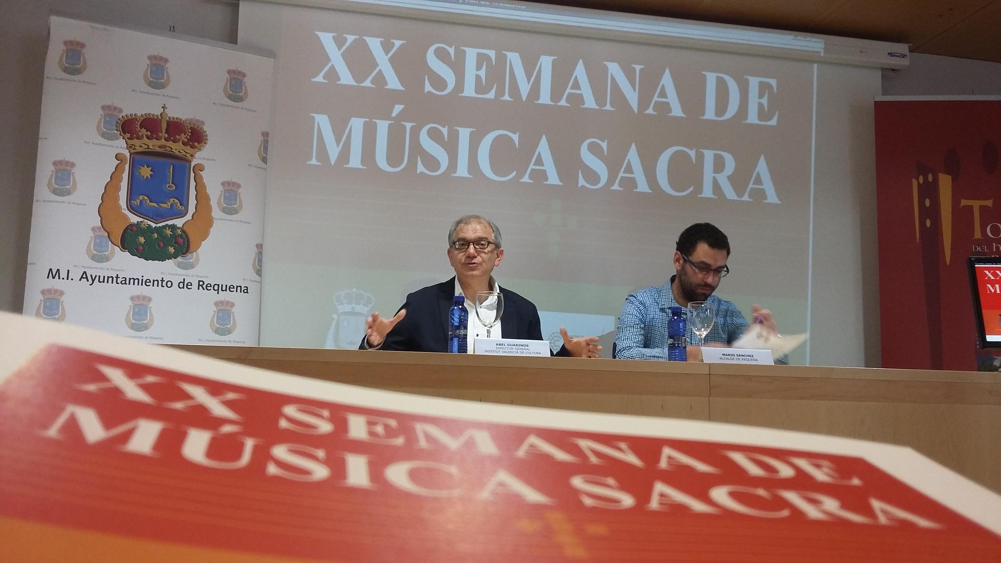El Director general de Cultura y el alcalde durante la presentación.
