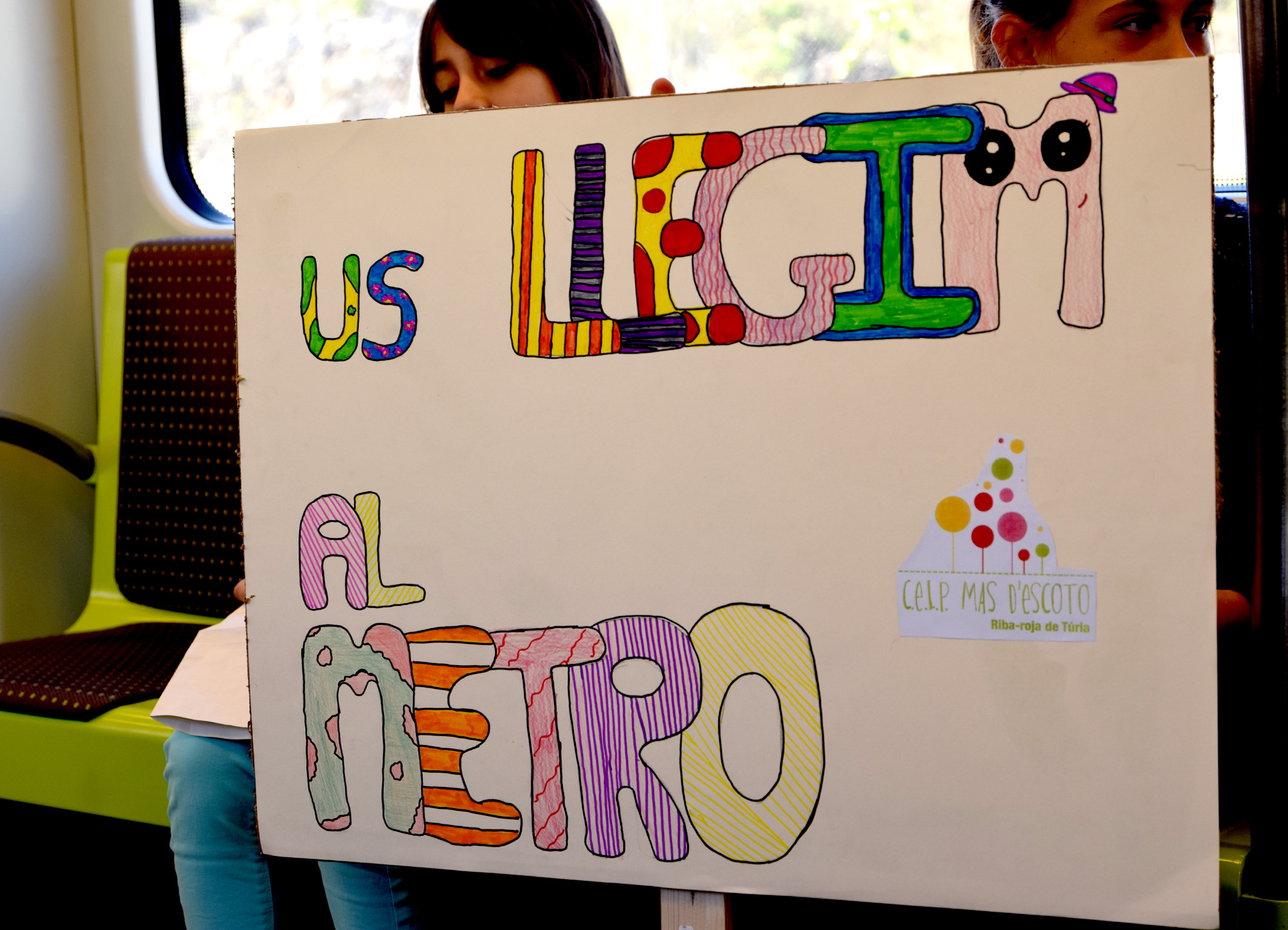 El Colegio Mas d´Escoto ha organizado esta actividad con motivo de la celebración del Día Internacional del Libro Infantil y Juvenil .