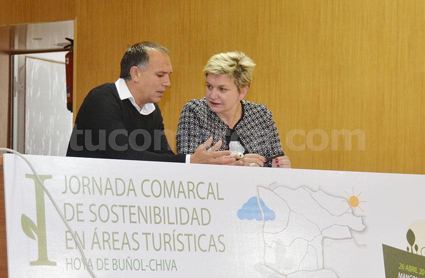 El presidente de la mancomunidad y la diputada provincial de Turismo han inaugurado las jornadas.