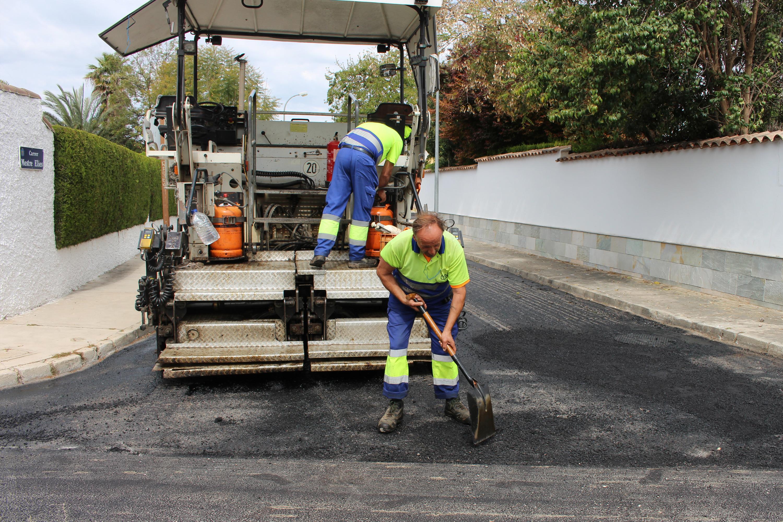 Todas las zonas residenciales de l'Eliana están recibiendo obras para mejorar el tráfico de vehículos.