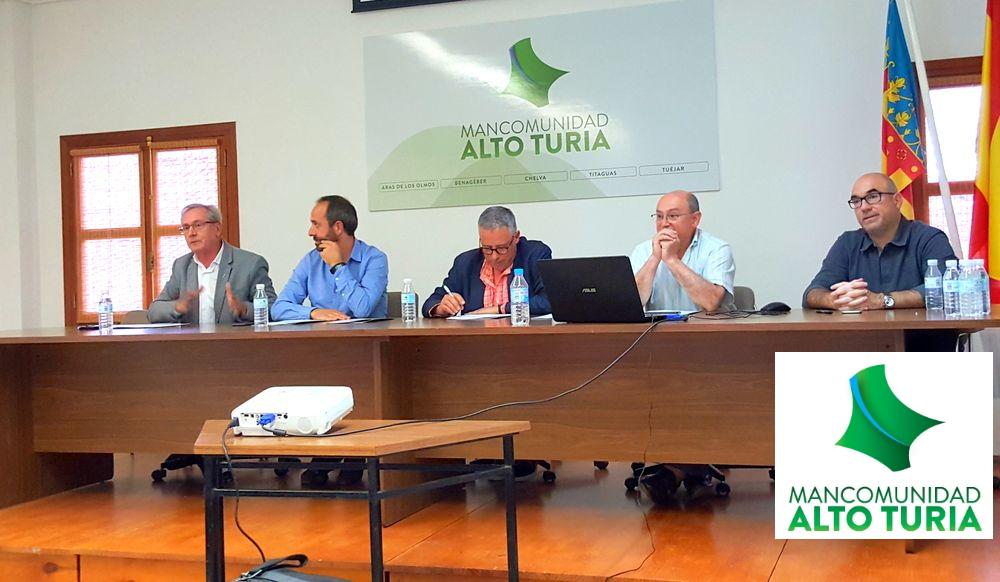 El ente comarcal presenta ante ayuntamientos, asociaciones y empresarios de la zona las nuevas líneas de actuación de un proyecto que invertirá 270.000 euros en la comarca.
